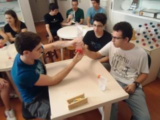 """Oficina """"Construindo a moléculas da vida: DNA e  RNA"""" com os alunos do colégio Progresso de Araraquara. (2013)"""