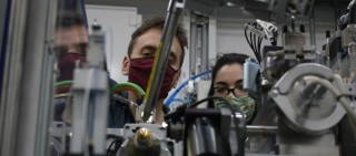 Sirius investiga el misterio de las proteínas del coronavirus en 1a   investigación externa