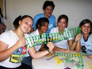 """Oficina """"Construindo a moléculas da vida: DNA e  RNA"""" com os alunos do colégio Anglo São Carlos.(2010)"""