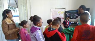 Visita ao EIC da escola Emeb Mario Beni de Vargem Grande do Sul